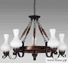 Современные люстры, стилизованные под старину, имеют свой неповторимый шарм, который придаст любому жилищу дух старинных замков.