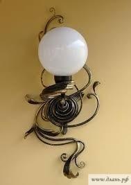 Кованные светильники являются изысканным элементом интерьера, переплетая в себе изящные формы из прочного металла