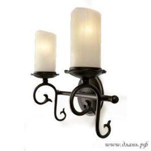 Двухрожковый светильник бра в классическом сдержанном дизайне